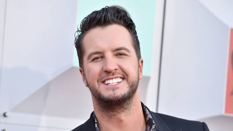 Luke Bryan arrives at the 51st annual Academy of Country Music Awards at the MGM Grand Garden...