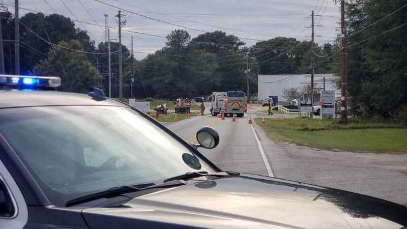 Lexington Police are warning drivers about a gas leak that has the Industrial Drive roadway...