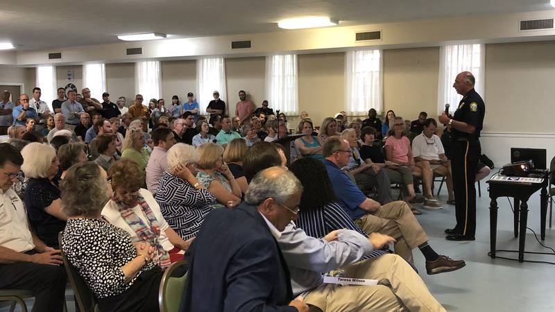 Shandon Community meeting about car break-ins (source: WIS)