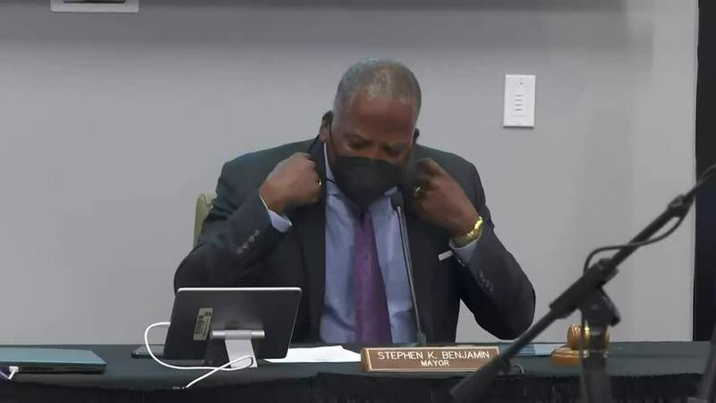 VIDEO: Columbia city leaders approve mask mandates in city schools