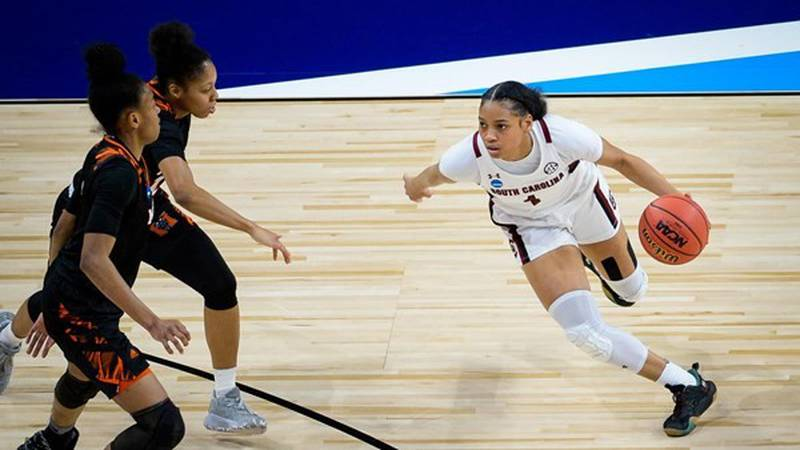 Zia Cooke scored 13 points vs. Mercer in the first round of the NCAA Tournament.