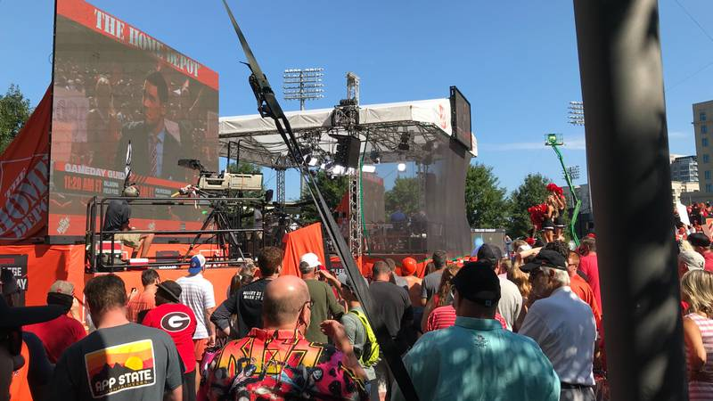 'I miss being here': Clemson, Georgia fans get out early as Bank of America Stadium preps for...
