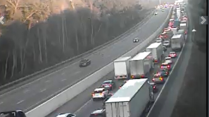 Crash on I-26 West in Cayce blocks all westbound lanes, multiple agencies assisting