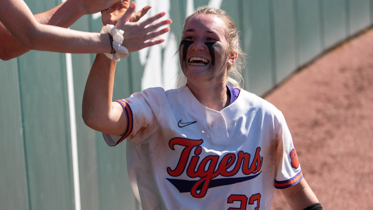 With the win, Clemson (37-4, 26-4 ACC) claimed its fifth ACC series sweep, closed out its home...