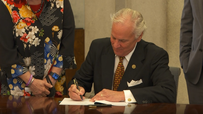 Gov. McMaster holds ceremonial bill signing for law expanding access to Naloxone