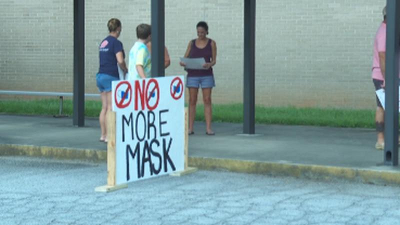 SC School Board meetings remain tense as pandemic continues
