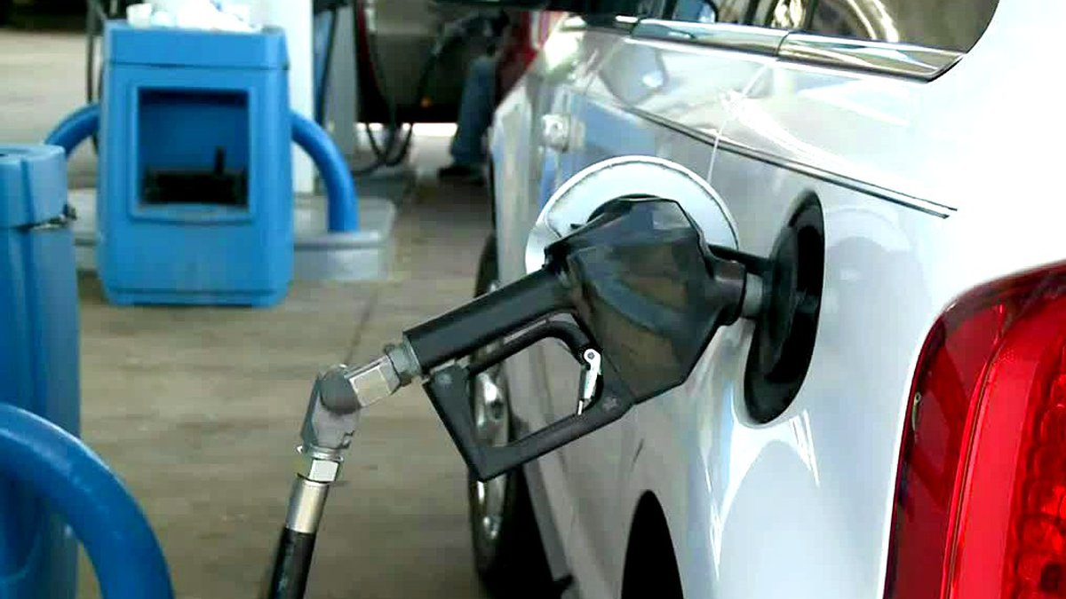 GasBuddy's Monday report says the average price for a gallon of gas in South Carolina is $2.88.