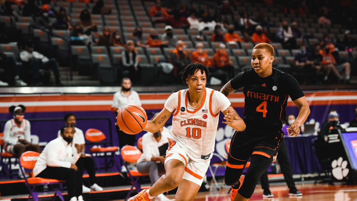 Elliott is coming off a standout freshman season for the Tigers, averaging 13.6 points per game...