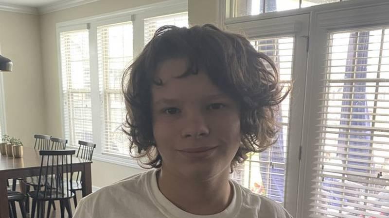 Lexington police search for teen runaway